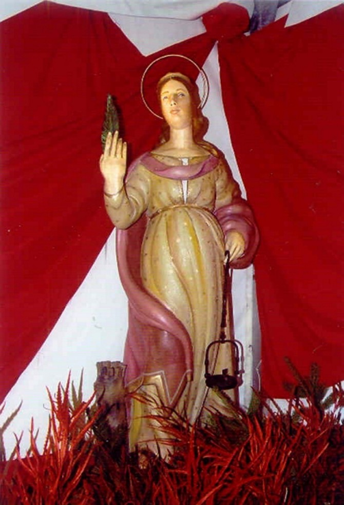 Statua di santa Barbara a Campello